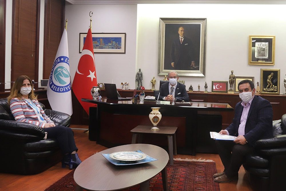 İshak Gündoğan'dan, Büyükşehir BB Yılmaz Büyükerşen'e Ziyaret
